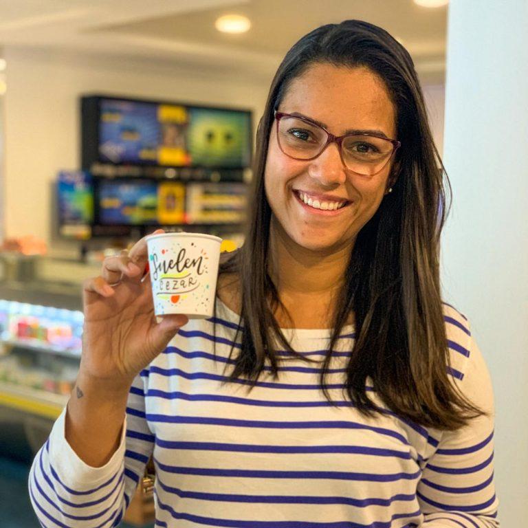 Personalização de copos com lettering – Atitude Souza Cruz
